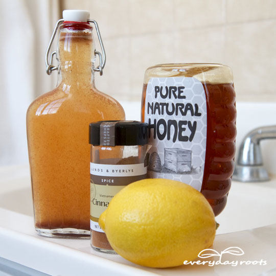Homemade Cinnamon & Honey Mouthwash for Bad Breath