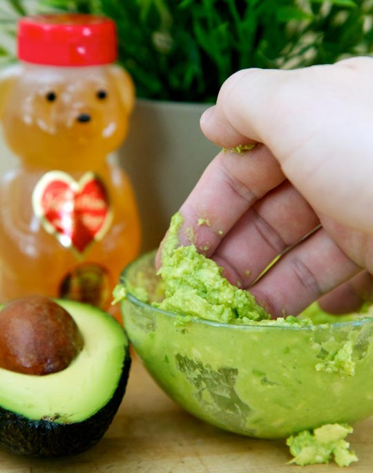 Avocado & Honey Mask to Get Rid of Acne