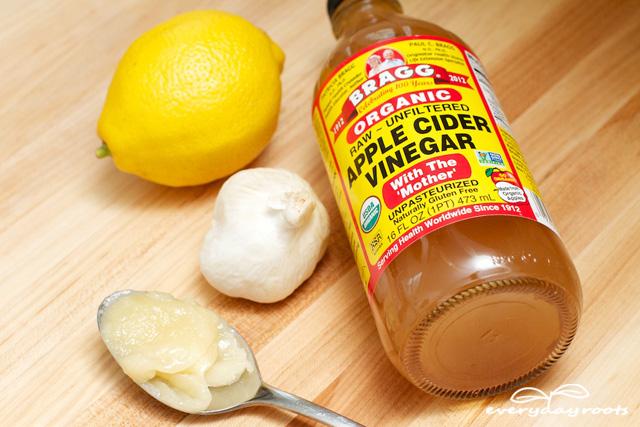 Apple Cider Vinegar, Honey, Garlic and Lemon Drink